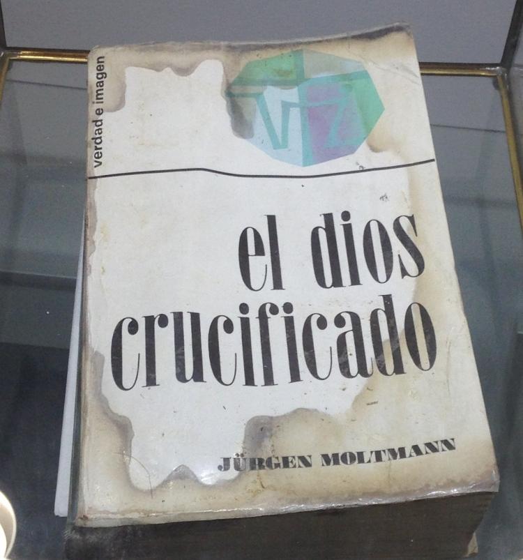 Dios crucificado